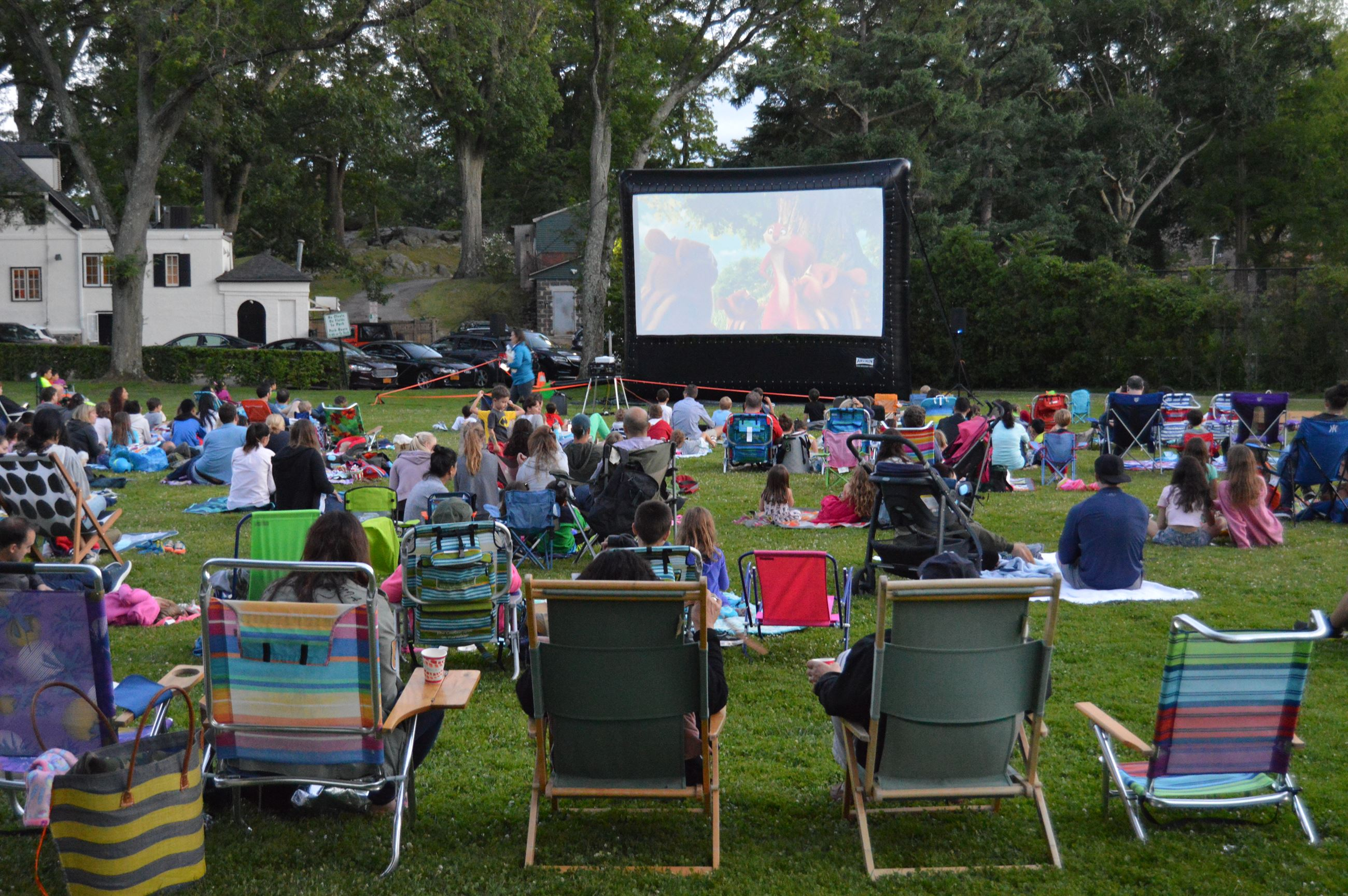 Outdoor Movie in the Park (jpg) with text